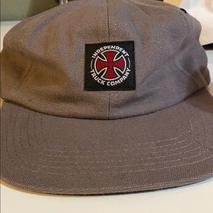 INDEPENDENT HAT